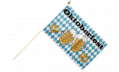 Stockflagge Oktoberfest Bierkrug und Brezel - 30 x 45 cm